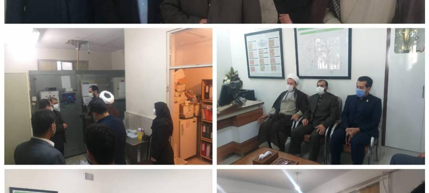 بازدید فرماندار و امام جمعه شهرستان کبودراهنگ از مرکز بهداشت و درمان