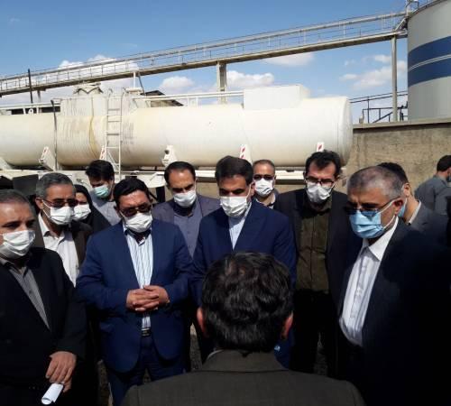 بازدید مسئولین  از واحدهای تولیدی شهرک صنعتی بهاران در جهت رفع بوی نامطبوع شهر بهار