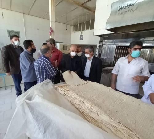 بازدید فرماندار شهرستان بهار از چند نانوایی در سطح شهر مهاجران